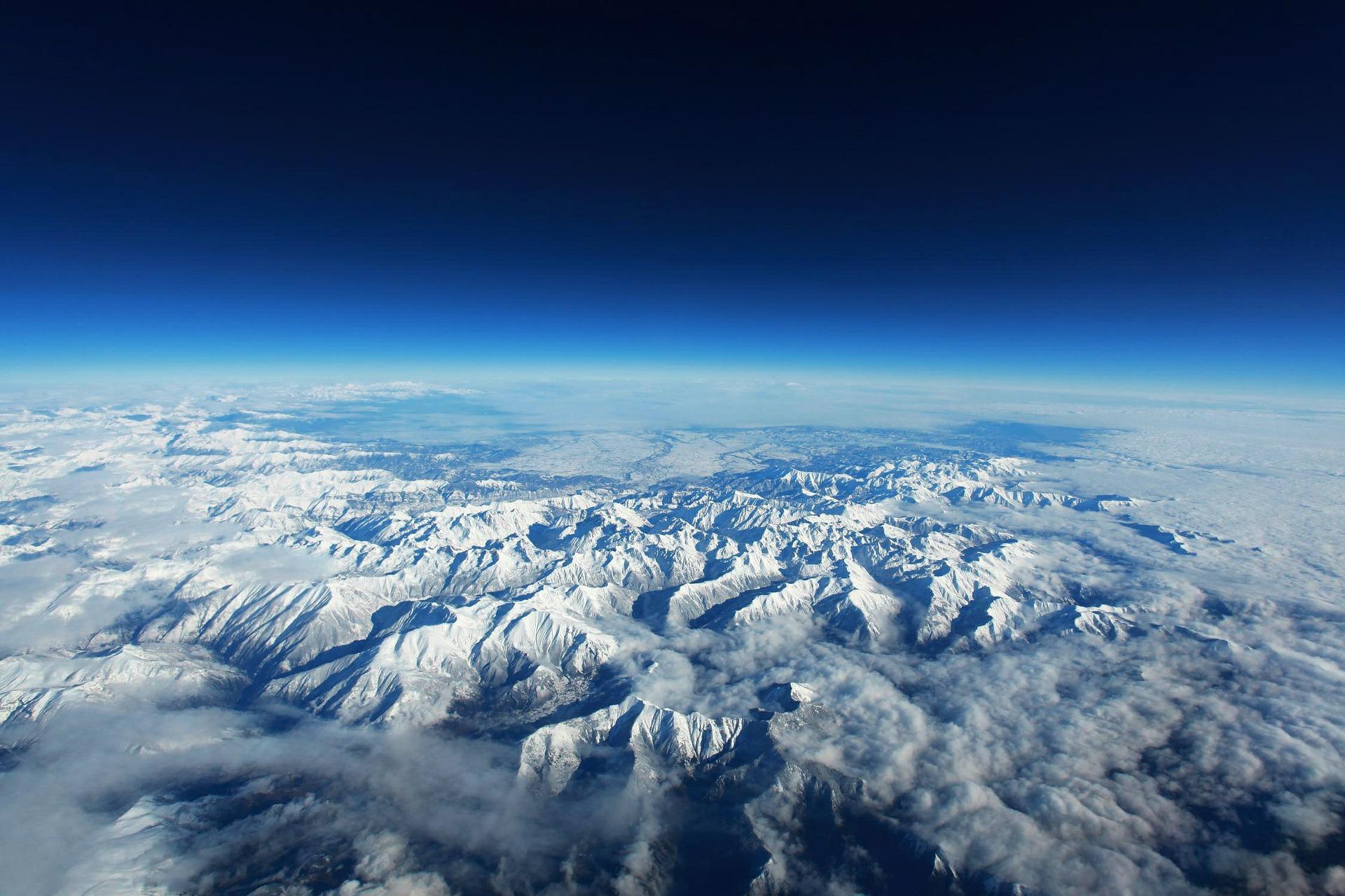 Vue aérienne des Pyrénées